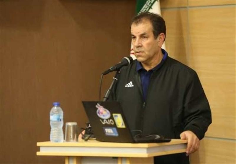 اصفهانیان: استفاده از VAR در هر استادیوم 300 هزار دلار هزینه دارد، ساکت خودش باید درباره استعفایش پاسخگو باشد