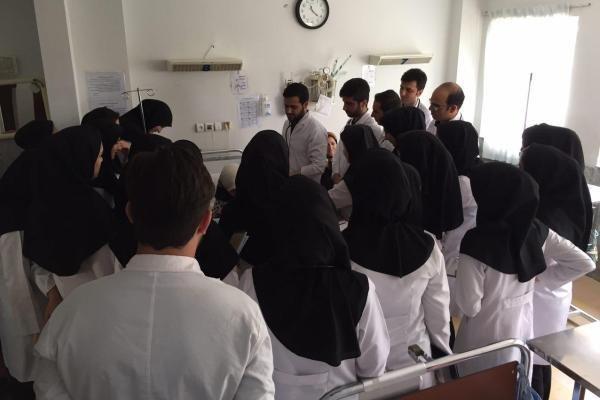 دانشجویان جدید دانشگاه علوم پزشکی ایران شناسنامه سلامت می گیرند