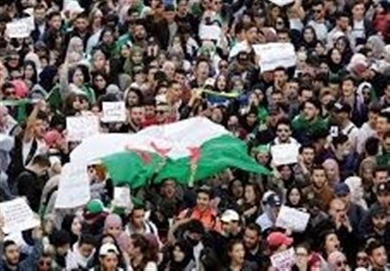 بازداشت 75 معترض در چهارمین آدینه تظاهرات در الجزائر