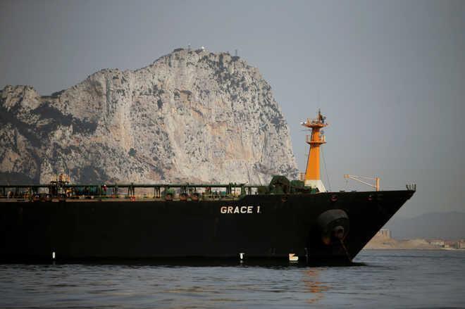 الجزیره: نفتکش ایرانی به سمت کلاماتای یونان می رود