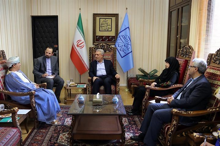 دعوت رسمی وزیر گردشگری عمان از دکتر مونسان برای سفر به این کشور