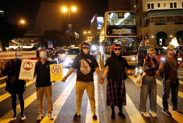 رئیس اجرایی هنگ کنگ از استفاده از زور علیه معترضان حمایت کرد