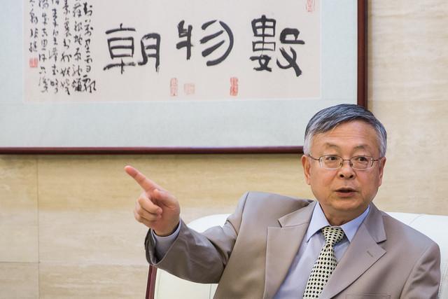 سفیر چین: هیات های نظامی دو کشور به زودی تبادل می شوند، پکن از حل سیاسی بحران سوریه حمایت می نماید