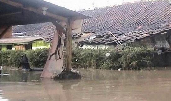 سیل در اندونزی 23 کشته برجای گذاشت