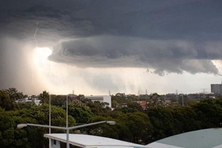 هشدار هواشناسی نسبت به وقوع رگبار باران و وزش باد گرم
