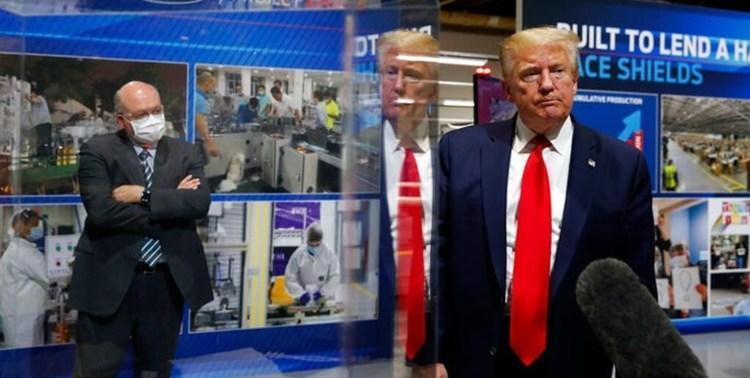 حمله ترامپ به رسانه ها: نمی گذارم من را با ماسک ببینند