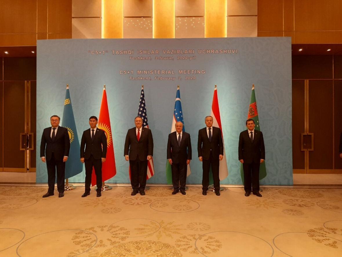 خبرنگاران نشست پمپئو با وزیران خارجه کشورهای آسیای مرکزی