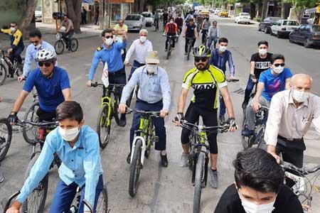 باید و نبایدهای دوچرخه سواری از الزام به پوشیدن کلاه ایمنی تا ممنوعیت تردد در خطوط ویژه