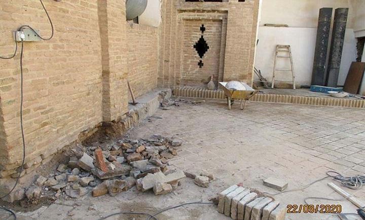 آغاز بازسازی و جداره سازی صحن مرکزی مسجد اعظم