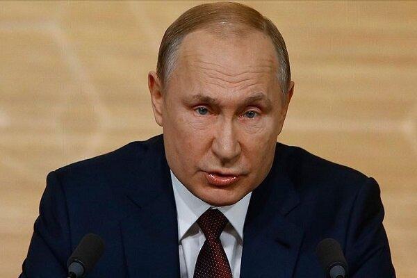 پوتین تحریم کشورهای غربی را تمدید کرد