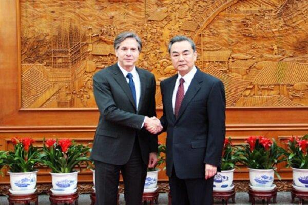 درخواست وانگ یی از آمریکا برای احترام به منافع مردم چین